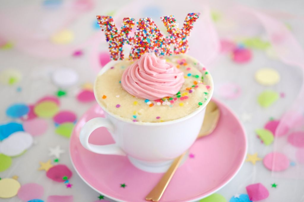 Celebration Microwave Mug Cake!!!! make it in minutes in the microwave